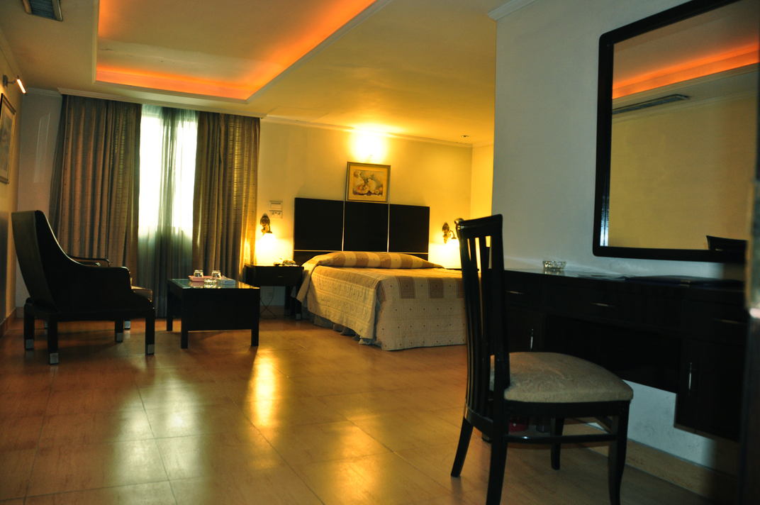 Ambassador Hotel Room Service