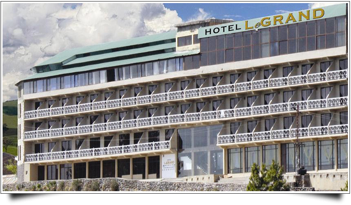 Book hotel le grand changla gali on cheap rates for Le grand hotel