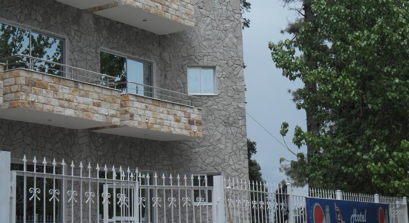 Book Hotel Al Azeem Ayubia Nathiagali on cheap rates : 1451651194hotel alazeem near ayubia chair lift ayubia khanspur murree pakistan exterior2 <strong>Classic</strong> Office Chair from www.imusafir.pk size 840 x 460 jpeg 75kB