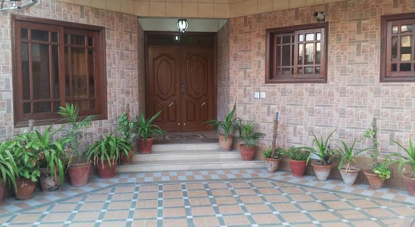 Book motel inn dha karachi on cheap rates imusafir freerunsca Gallery